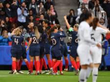 Gastland Frankrijk wint in WK-opening ruim van Zuid-Korea