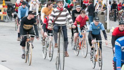 Met stalen ros over de Paterberg en Koppenberg tijdens Retro Ronde