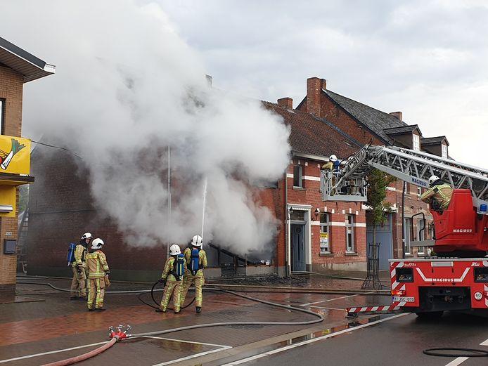 De brand ging gepaard met een grote rookontwikkeling.