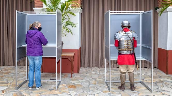 Huh, wat doet deze Romein nou in dit stembureau? Op welke partij zou hij stemmen?