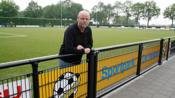 Proost, een biertje in Veldhoven op ras-supporter Toon Bullens