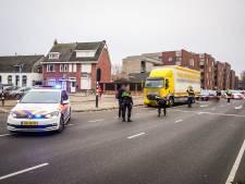 Jongen (9) zwaargewond naar ziekenhuis na botsing met vrachtwagen in Eindhoven