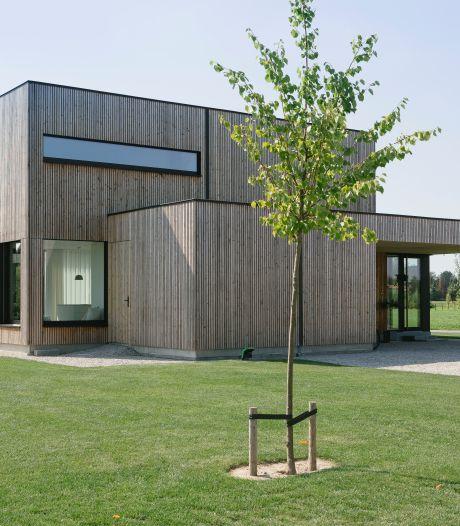 """Karroo et Wouter vivent dans une étonnante habitation à ossature bois : """"À la mesure de nos habitudes"""""""