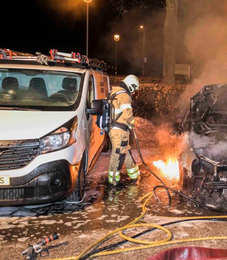 Man uit Huissen treurt om uitgebrande net aangeschafte Golf: 'Hij reed zo lekker'