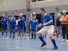 Voetballers met een beperking strijden om bokaal in Veenendaal