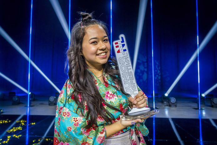 Ayana wint de finale van het Junior Songfestival in Ahoy. Deelnemers Melody, Priscilla, Ayana en de groep SHINE gingen de strijd met elkaar aan om Nederland te mogen vertegenwoordigen tijdens de internationale finale in Parijs.