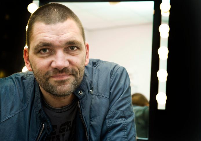 Portret van cabaretier en acteur Theo Maassen.