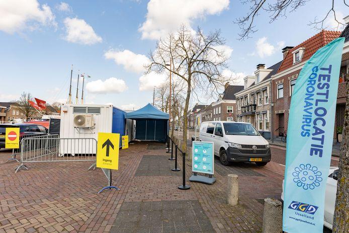 Als uitbreiding van de capaciteit werd de pop-up testlocatie geopend op het Havenplein in Genemuiden.