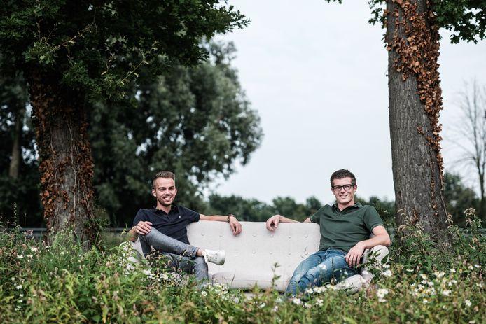 Jordi van Rootseler en Tim van Rekum moesten noodgedwongen hun Zomer Theater Zevenaar afgelasten.