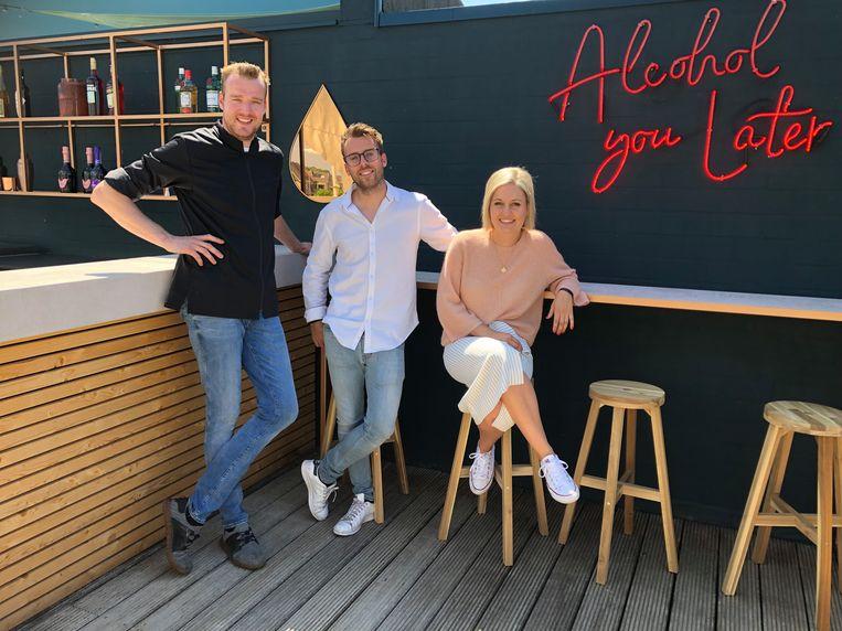 Dieter Leys, Dominique Segers en Shirley Cynsmans in de rooftop bar Moyo
