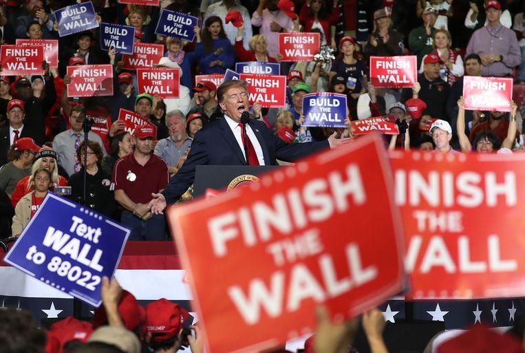 President Trump bezocht maandag El Paso in Texas waar hij opnieuw aandrong op bouw van de grensmuur.  Beeld AFP