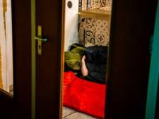 Dakloze Oost-Europeanen op de huid gezeten en beboet tot ze terugkeren naar eigen land