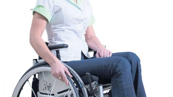 Eindelijk: deze hippe kledinglijn voorkomt modeblunders in de rolstoel