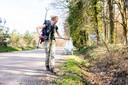 Hedwig Fossen (25) is van Groningen naar Goirle gelopen. Een route van ruim 450km. Onderweg heeft ze kilo's afval opgehaald.