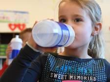 Verplicht drinkwater op school? Stortvloed aan reacties bij BD op maatregel Don Sarto in Tilburg