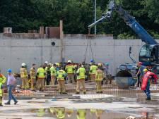 Ineens ging het mis op de werkplaats in Nunspeet: bouwvakker moest uitwijken voor metershoog betonnen gevaarte