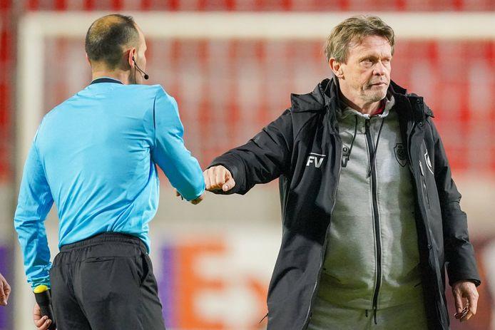 Frank Vercauteren verbijt zijn ontgoocheling na de spektakelmatch tegen Rangers.