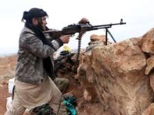 Syriëganger uit Almere op de foto met afgehakte hoofden