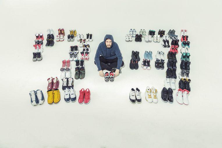 Ben Lescouhier (41), bezit 200 à 300 paar Jordans. De schoenen van Ben vormen niet voor niets het getal 23. Michael Jordan speelde vrijwel zijn hele carrière met shirtnummer 23. Beeld ©Jef Boes
