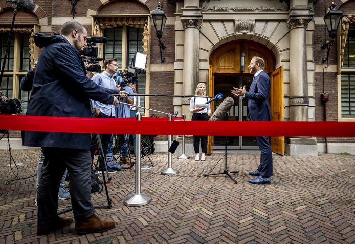Hugo de Jonge, demissionair minister van Volksgezondheid, Welzijn en Sport, op het Binnenhof.
