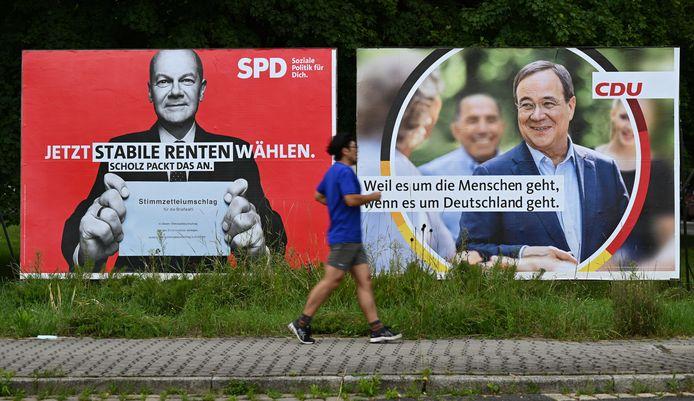 Campagnebeelden van de SPD en CDU broederlijk naast elkaar