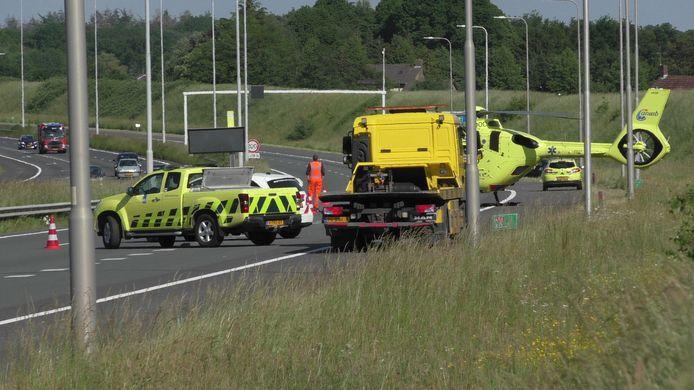 Auto over de kop geslagen op A58 bij Etten-Leur.