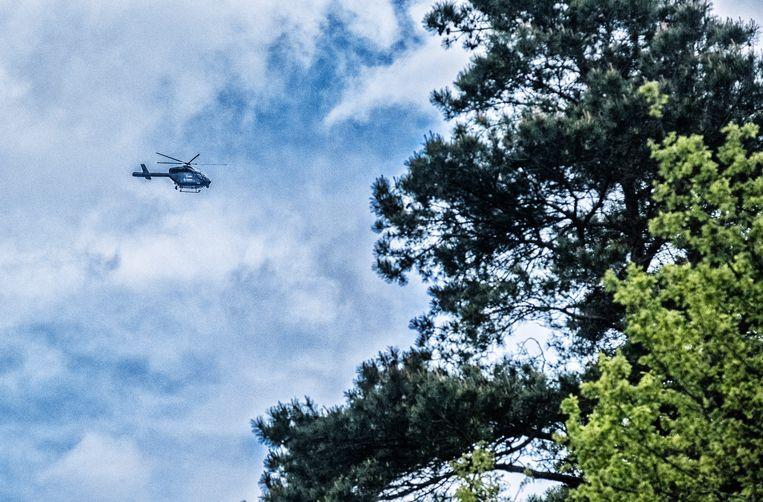 Er worden ook helikopters ingezet. Beeld Tim Dirven