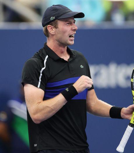 Botic van de Zandschulp zorgt in zenuwslopende vijfsetter voor sensatie op US Open
