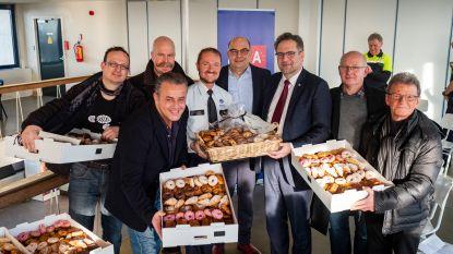 Zoete dinsdag: winkeliers trakteren élke Antwerpse agent op koffiekoek omdat ze straten veilig houden
