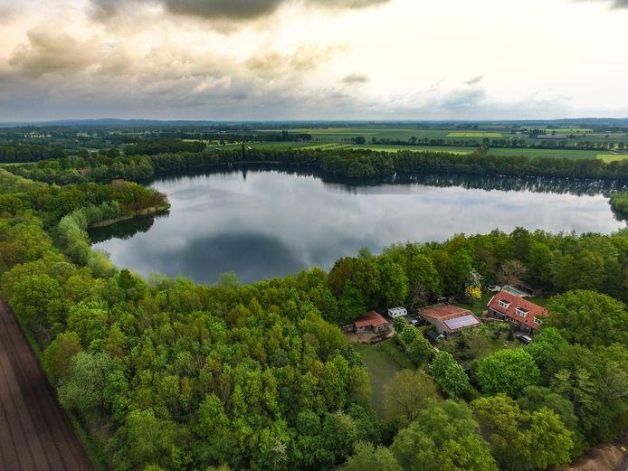 De Stichting Duurzaam Luttenberg wil op de Reko-plas een zonnepark realiseren.