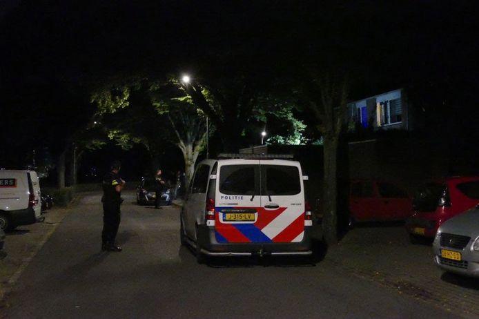 De politie doet onderzoek naar het mogelijke schietincident in Tolhuis, Nijmegen.