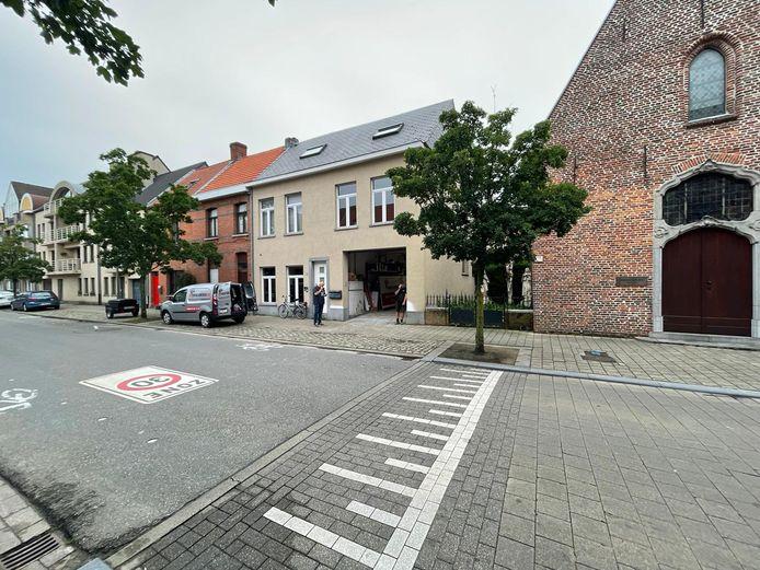 Al wie nog spullen te veel heeft voor de slachtoffers in Wallonië, mag ze tot vanavond binnenbrengen bij Nick Van Den Broeck aan de Koningin Elisabethlei in Turnhout.