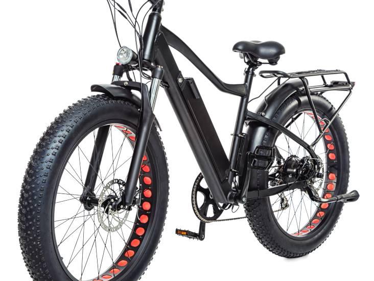 'Waarom schijnen koplampen van e-bikes en scooters omhoog?'