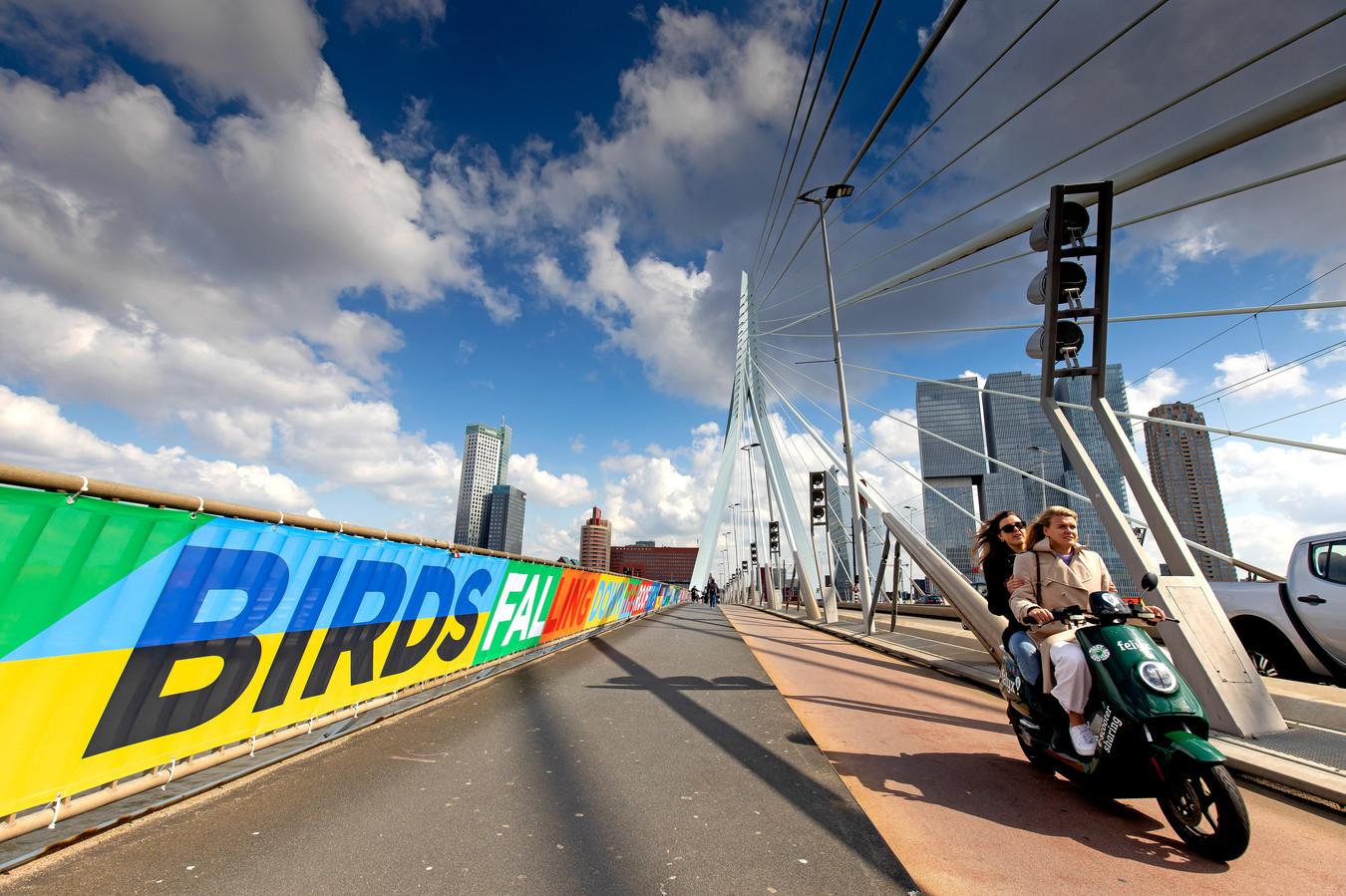 'Van het station tot aan Ahoy loopt een Sing Alongfestivalpad'