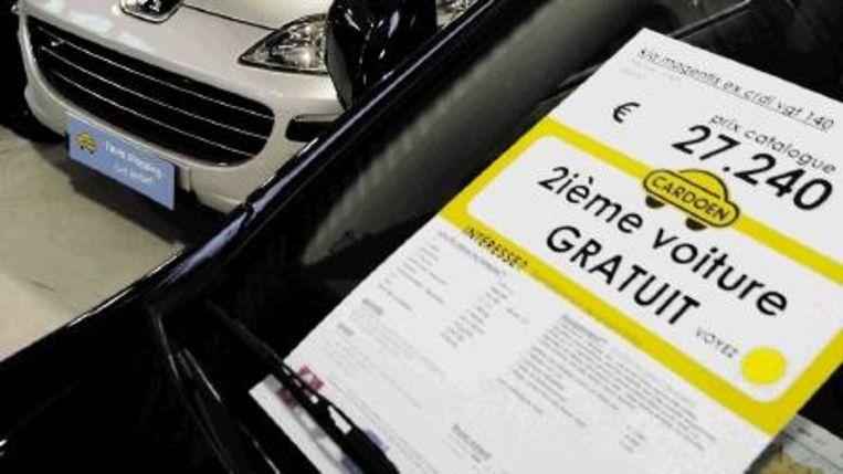 Minder gewilde automerken moeten nu stunts verzinnen om kopers te trekken. (Trouw) Beeld