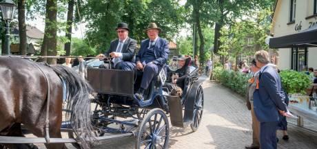 Authentieke koetsen trekken door Noordoost-Twente