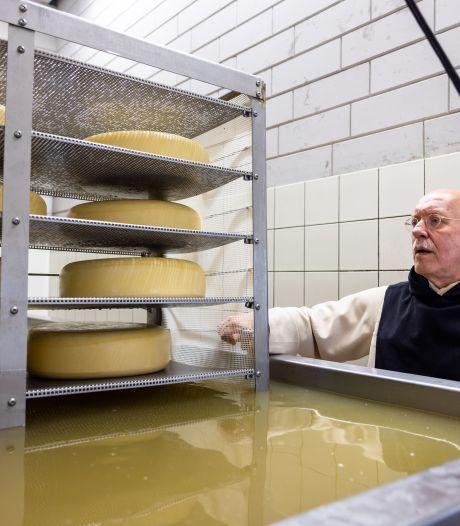 Kaaskoppen gezocht: in het klooster ligt nog 15.000 kilo te wachten