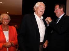 Oud-huisarts Frank Puylaert onderscheiden tijdens symposium Heemkundige Kring Sas van Gent