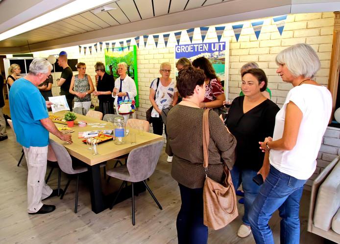 Welzijnsorganisatie Surplus heeft gisteren de nieuwe servicewinkel in Oudenbosch officieel in gebruik genomen.