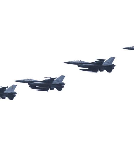 Volkelse F-16's trainen boven Brabant