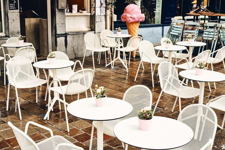 Hoe langer het ijsjesweer op zich liet wachten, hoe meer ook de klanten wegbleven bij Juffrouw Strik op de Groentenmarkt.  Beeld Thomas Nolf