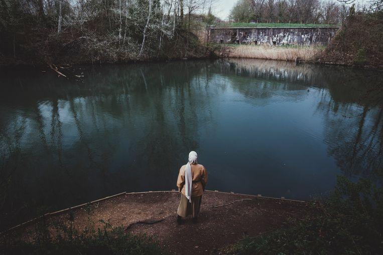 'In wat voor een samenleving leven we wanneer de acties van één iemand gevolgen hebben voor iedereen die daar een beetje op lijkt?' Beeld © Stefaan Temmerman