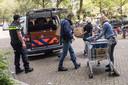In de wijk Smitsveen in Soest werden in augustus tientallen gestolen laptops, telefoons en munitie gevonden. Zes mensen werden gearresteerd.