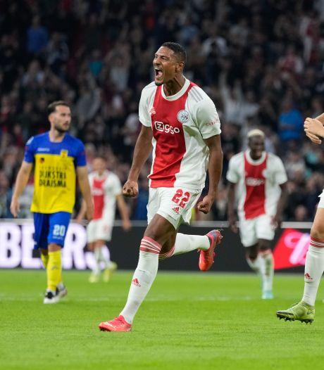 Swingend Ajax vermorzelt Cambuur en haalt net geen dubbele cijfers