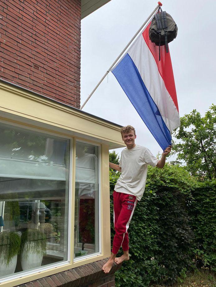 Tom Hengstman uit Hengelo is geslaagd voor zijn vwo-diploma.
