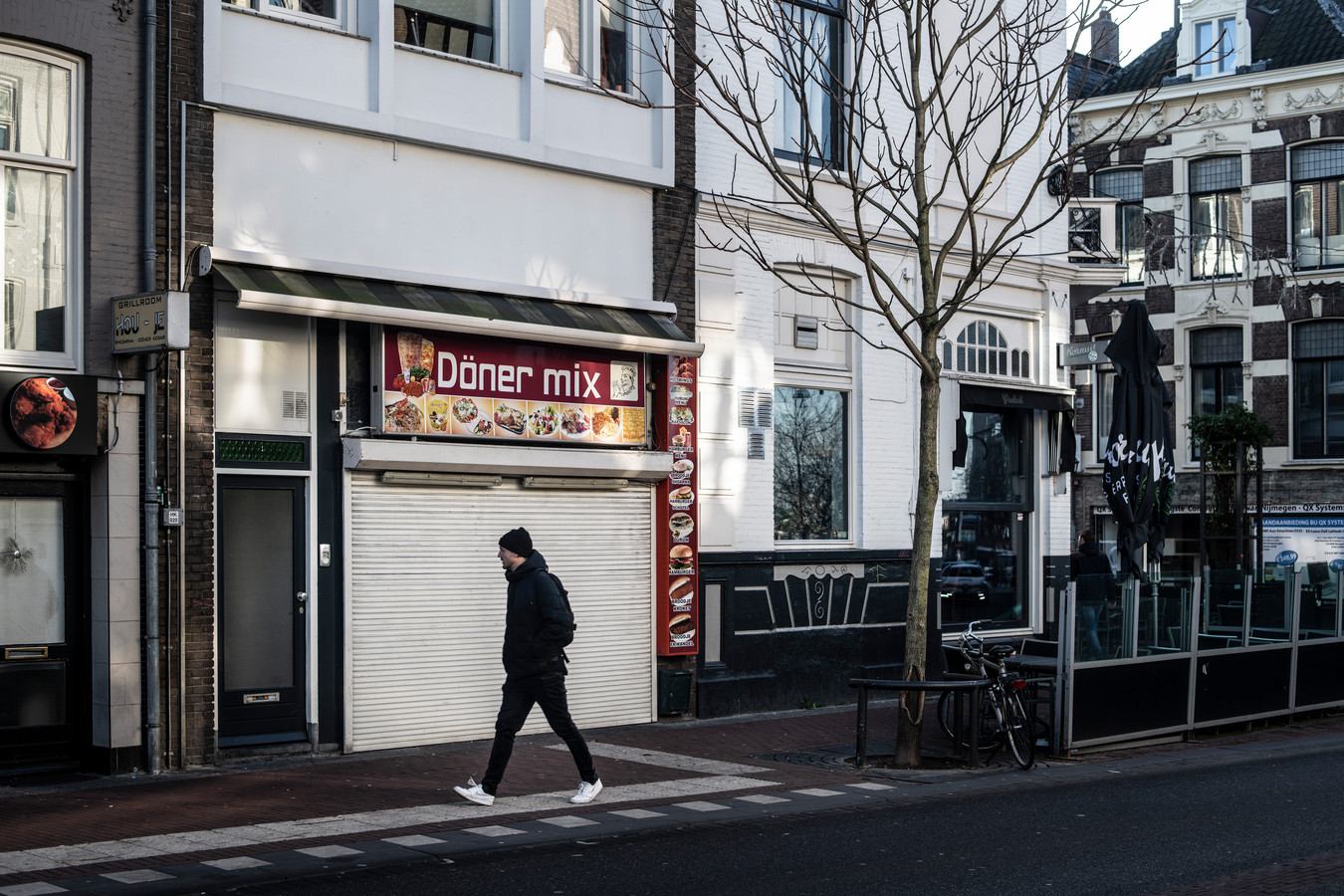 Burgemeester Hubert Bruls van Nijmegen sloot vorige week vier horecazaken, allen van dezelfde eigenaar. Döner Mix aan de Smetiusstraat is er één van.