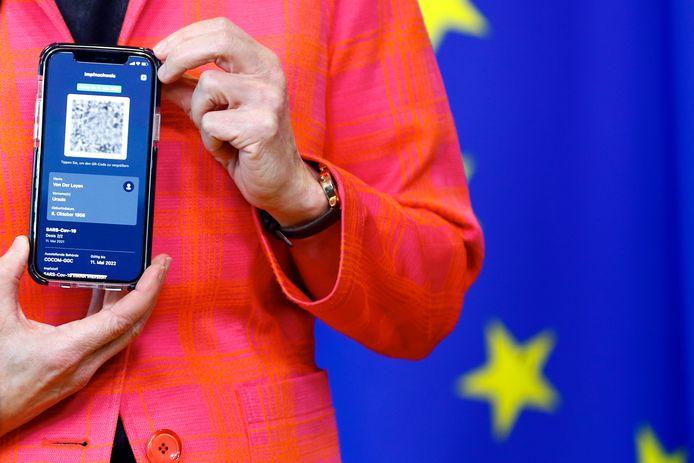 Le certificat présenté par la présidente de la Commission européenne Ursula von der Leyen