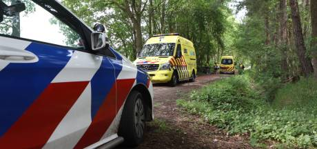 Wielrenner en scooterrijdster botsen op elkaar in Best, beiden raken gewond