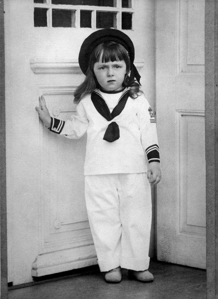 Prins Bernhard als 3-jarige kleuter in een matrozenpak (1914). Beeld Nationaal Archief/Spaarnestad Photo
