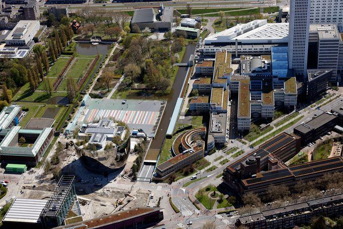 De gekleurde asfaltvlakte van het Museumpark - boven het Collectiegebouw - moet wijken, tot verdriet van skaters en urban sporters. Overleg heeft niets opgeleverd. Ze richten zich nu tot raadsleden.